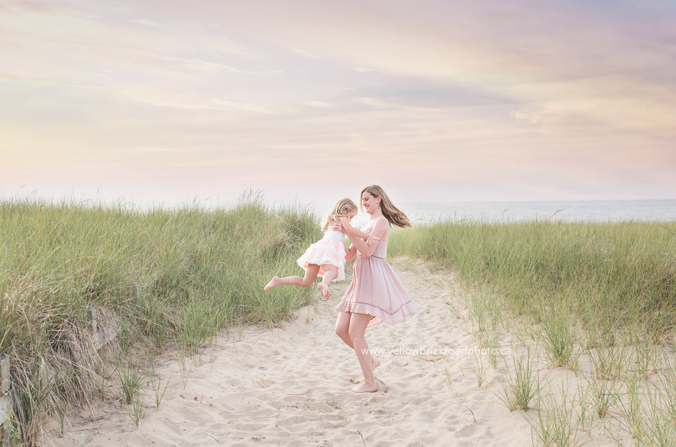 Southampton Ontario Beach portraits Family session